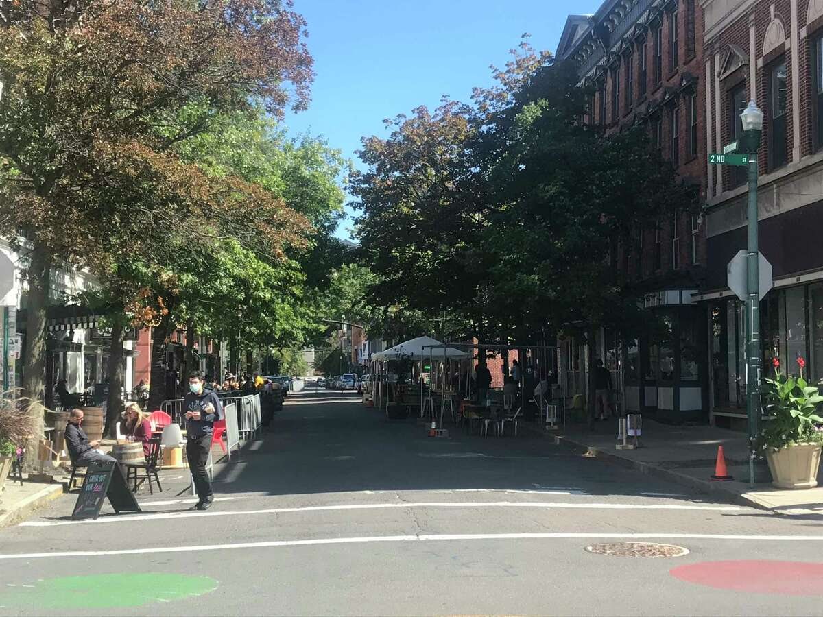 Kenneth C. Crowe II / Tmes Union Broadway between Second and Third streets is closed to parking and has traffic restrictions for filming of