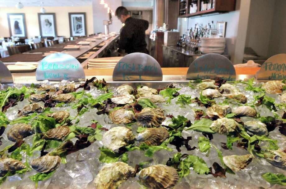 Liv's Oyster Bar, Old Saybrook. Mara Lavitt/New Haven Register 8/31/12
