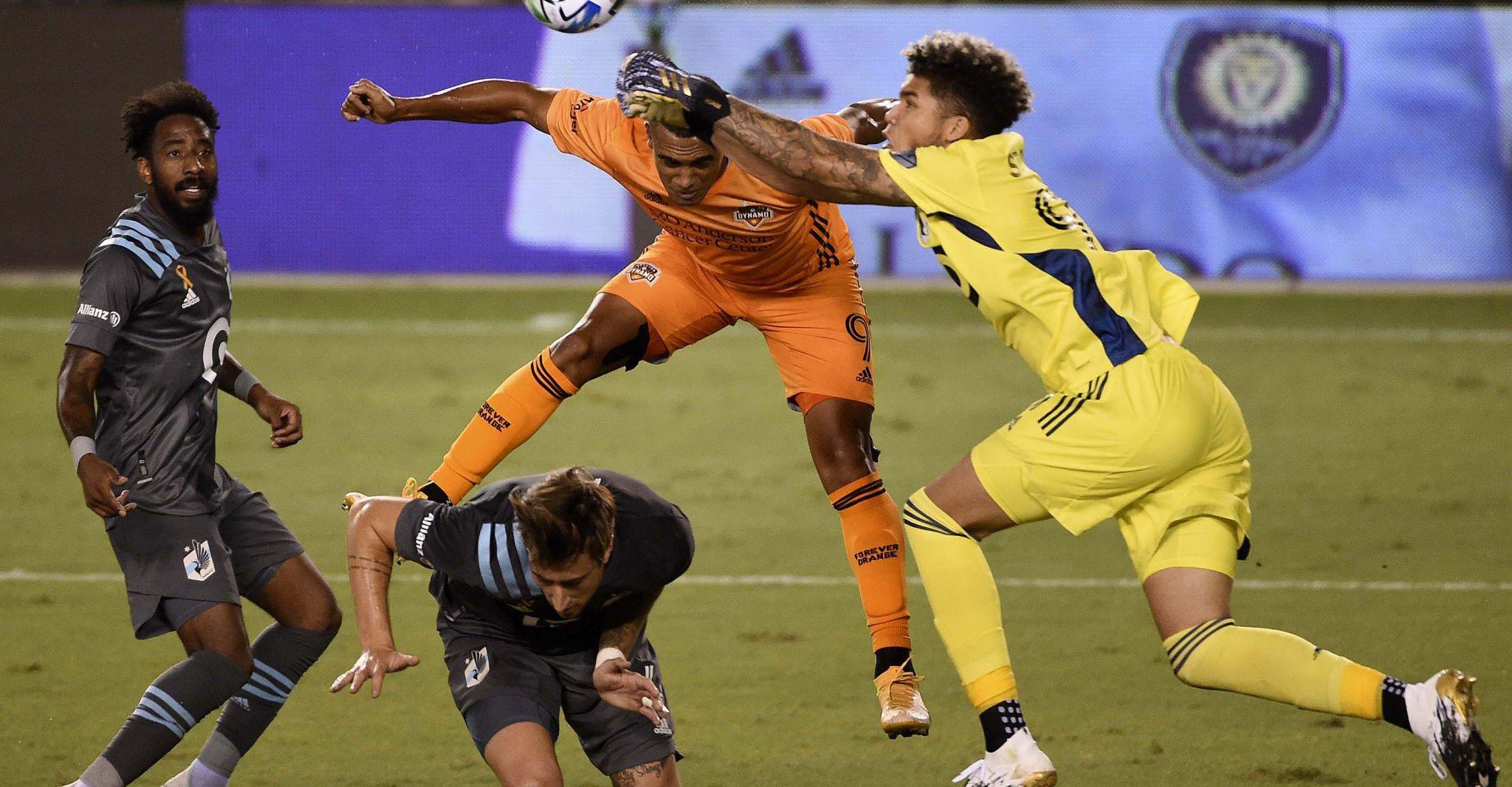Dynamo rallies to draw with Minnesota United