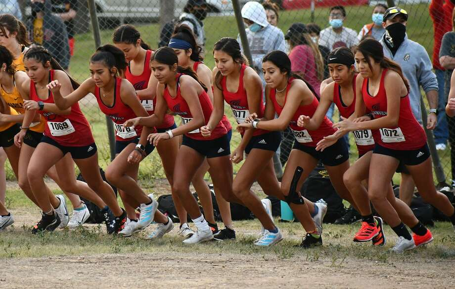 The Plainview Invitational cross country meet was held on Saturday, Sept. 19, 2020 at Kidsville. Photo: Nathan Giese/Planview Herald