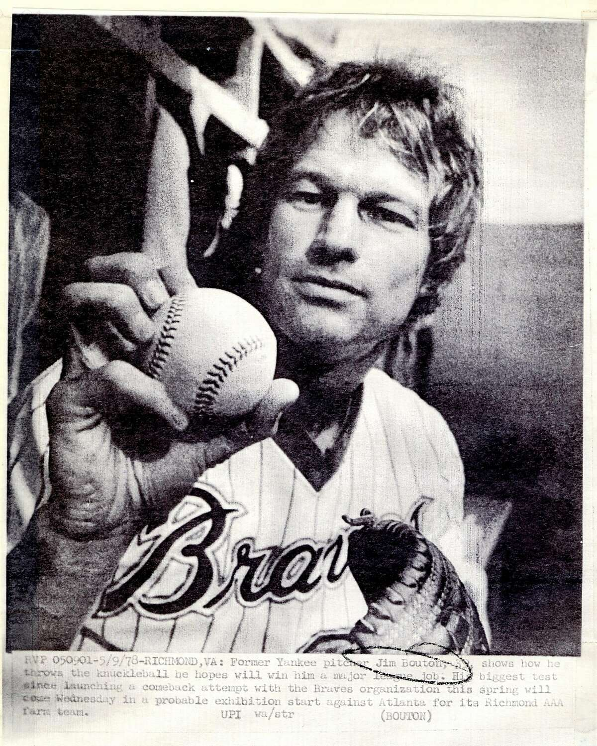 Jim Bouton shows off his knuckleball grip in a last-ditch comeback effort in 1978.