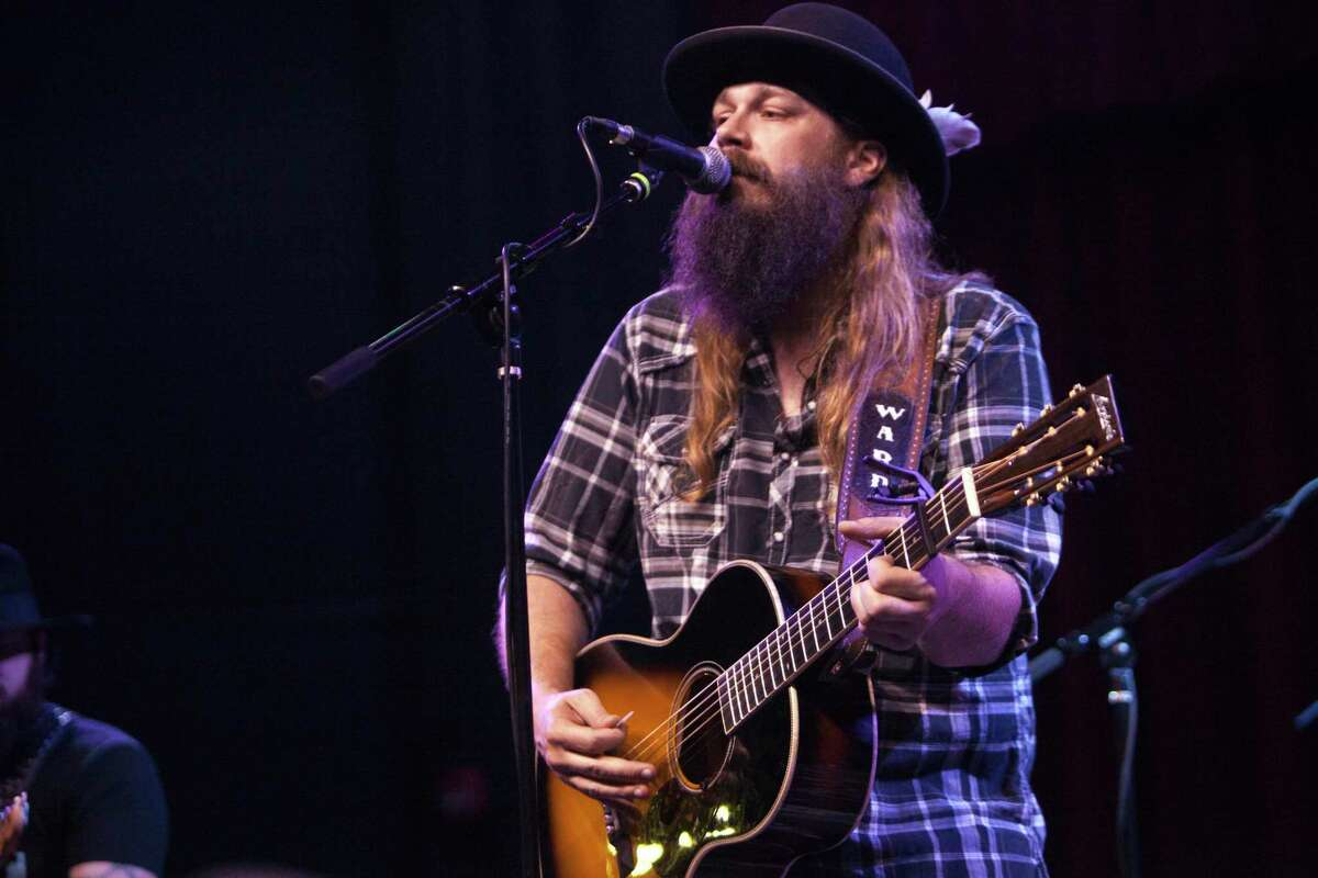 Singer-songwriter Ward Davis will perform in the Bud Light Courtyard of the AT&T Center Saturday.