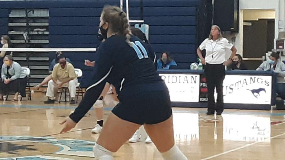 Meridian hosted Farwell in a Jack Pine Conference best-of-five volleyball match on Monday, September 21, 2020. Photo: Dan Chalk/chalk@mdn.net