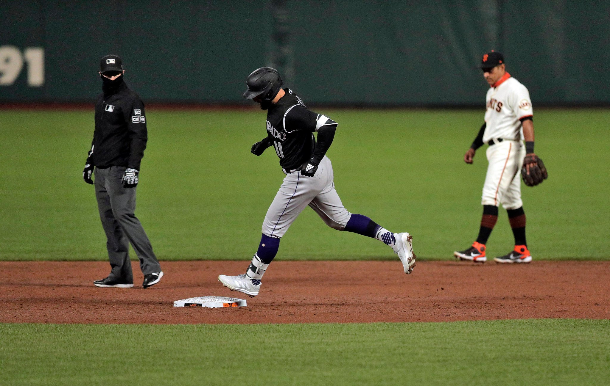 Giants, Johnny Cueto have no fun against Rockies in loss to open final homestand