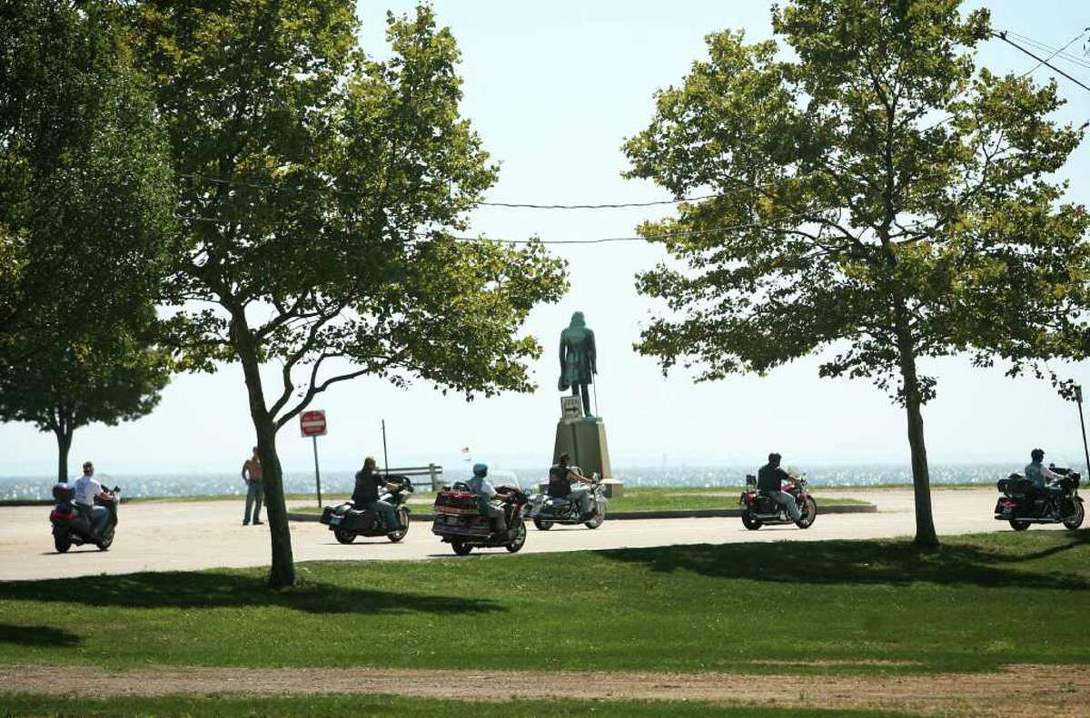 The 10th annual CT United Ride makes its way into Seaside Park in Bridgeport on Sunday, August 29, 2010.