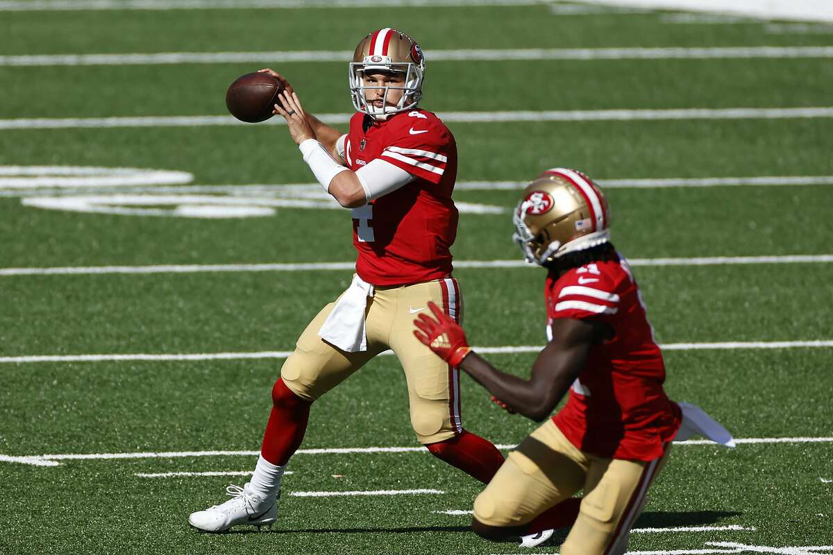 49ers quarterback Nick Mullens completed 8-of-11 passes in relief of Jimmy Garoppolo during Sunday's 31-13 victory over the New York Jets.