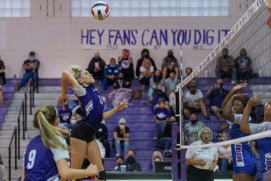 PN-G's Morgan Louvier (11) goes up for a shot as West Brook volleyball lost to Port Neches-Groves in 4 sets at PN-G on Tuesday evening. Photo made on September 20, 2020.  Fran Ruchalski/The Enterprise Photo: Fran Ruchalski / Photos By Fran Ruchalski / Staff Photographer / © 2020 The Beaumont Enterprise