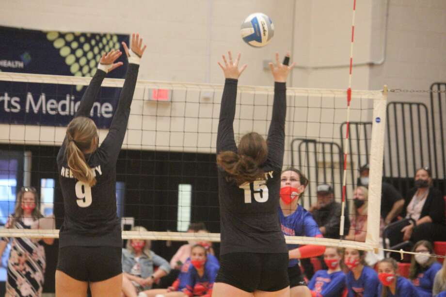 It was a tough five-set match in the Central State Activities Association Gold Division on Tuesday with Chippewa Hills winning 3-2. Photo: John Raffel