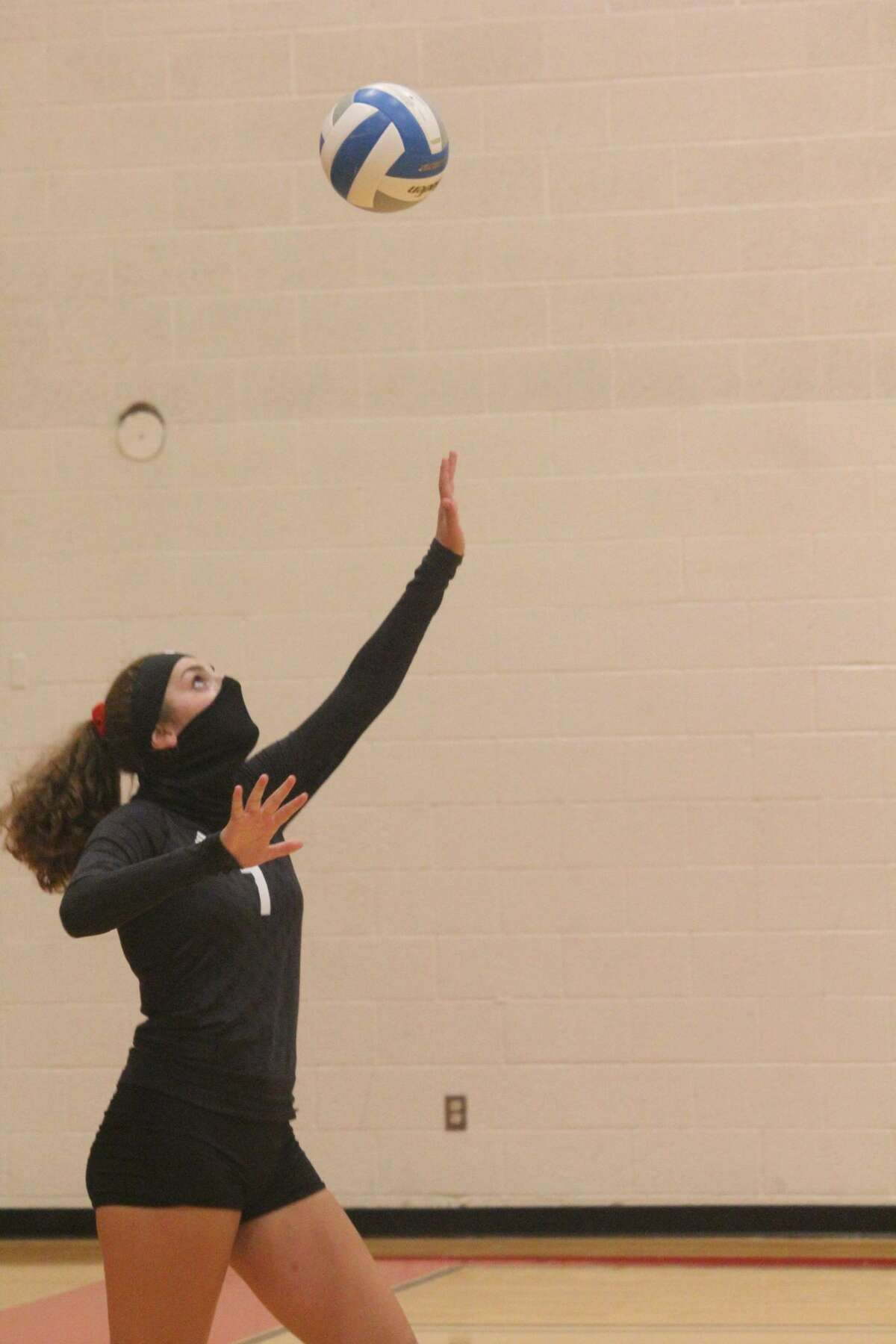 It was a tough five-set match in the Central State Activities Association Gold Division on Tuesday with Chippewa Hills winning 3-2.