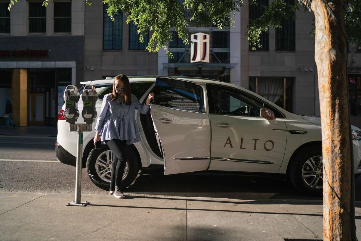 Dallas-based Alto, a ridesharing app that also offers on-demand shopping and meal delivery, launches in Houston on Oct. 1, 2020.