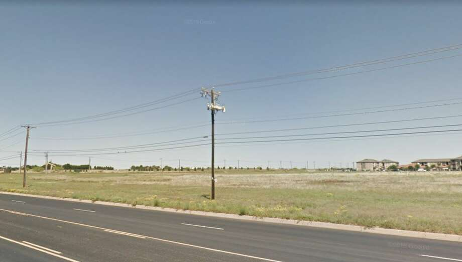 Summit Petroleum's plan for an office-retail development at 3201 and 3108 Mockingbird Lane moved forward with approval of a zone change request at Monday's Planning and Zoning Commission meeting. Photo: Google Maps