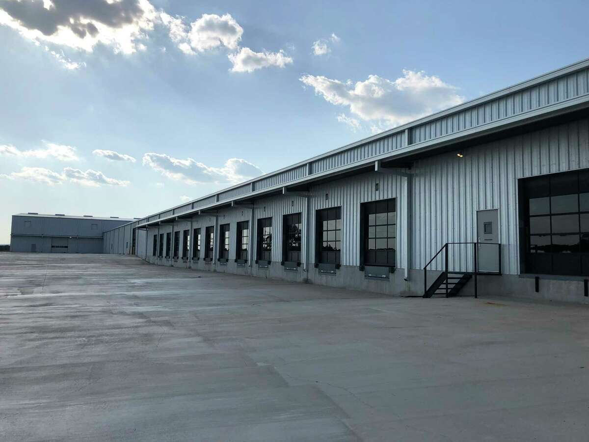 O.W. Lee bought a 412,000-square-foot building in Comfort, according to an announcement by local officials.