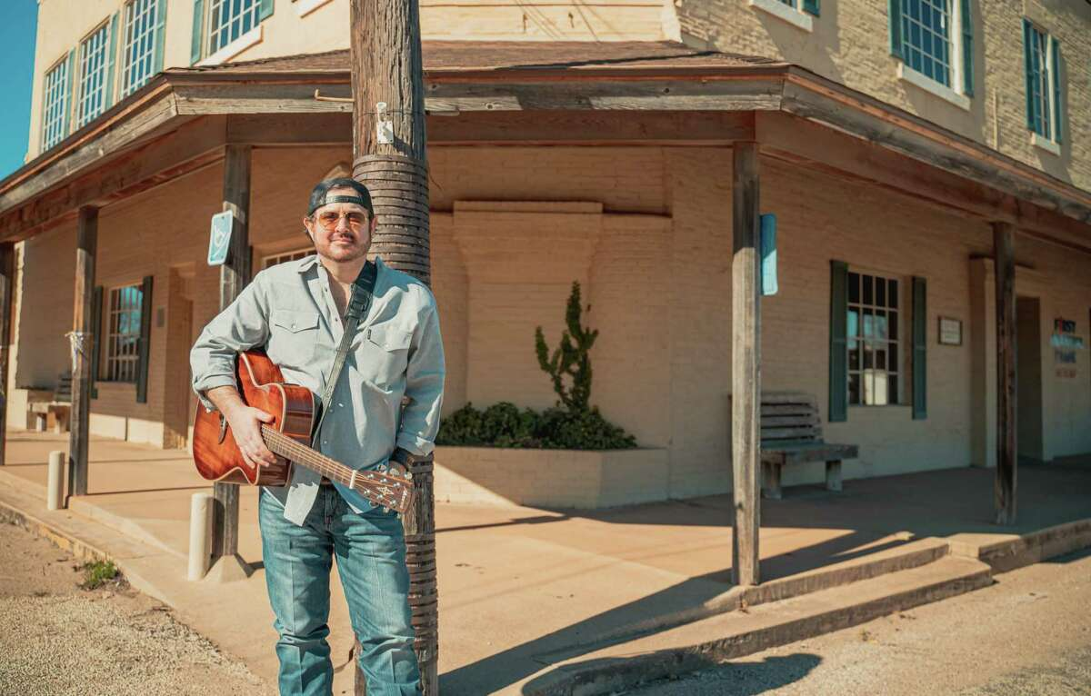 Texas Country Music artist Scott Hayley recently released his first single -