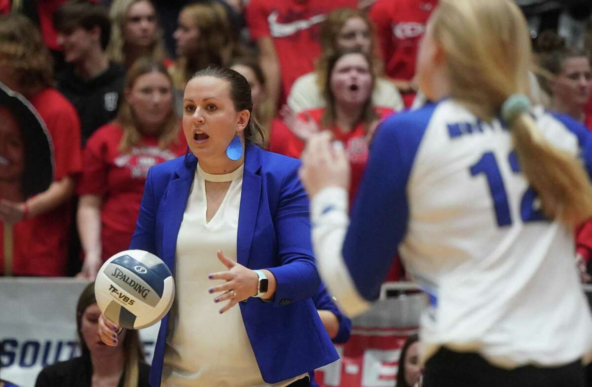 Friendswood head coach Sarah Paulk was hoping to lead the Lady Mustangs to a second straight tournament berth, but Friendswood dropped a tough five-set semifinal match Tuesday night to College Station at the Merrell Center.
