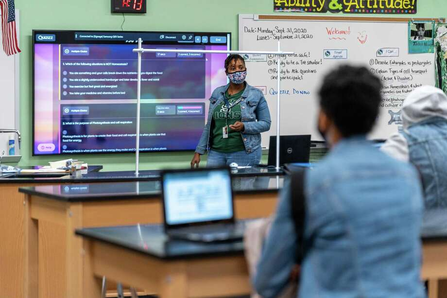 Students return to school Sept. 21 as part of Spring ISD's reopening plan. Photo: Courtesy Of Spring ISD, Web Specialist & Photographer / Spring Independent School District
