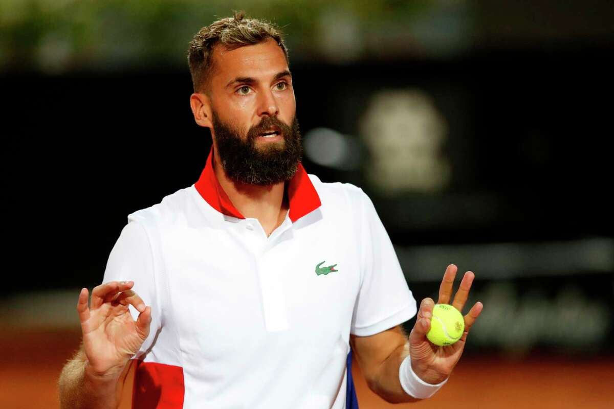 Benoit Paire of France argues with the umpire during his match against Jannik Sinner of Italy on day one of the Internazionali BNL D'Italia ATP tour at Foro Italico on September 14, 2020 in Rome, Italy. (Photo by Clive Brunskill / POOL / AFP) (Photo by CLIVE BRUNSKILL/POOL/AFP via Getty Images)
