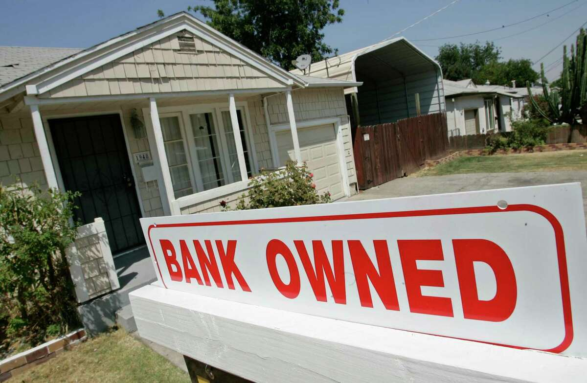More than 1 million homeowners are at least 30 days behind on their mortgage payments despite aid from the CARES Act, a sign that the law meant to ease financial stress and ward off foreclosures has let many fall through the cracks.