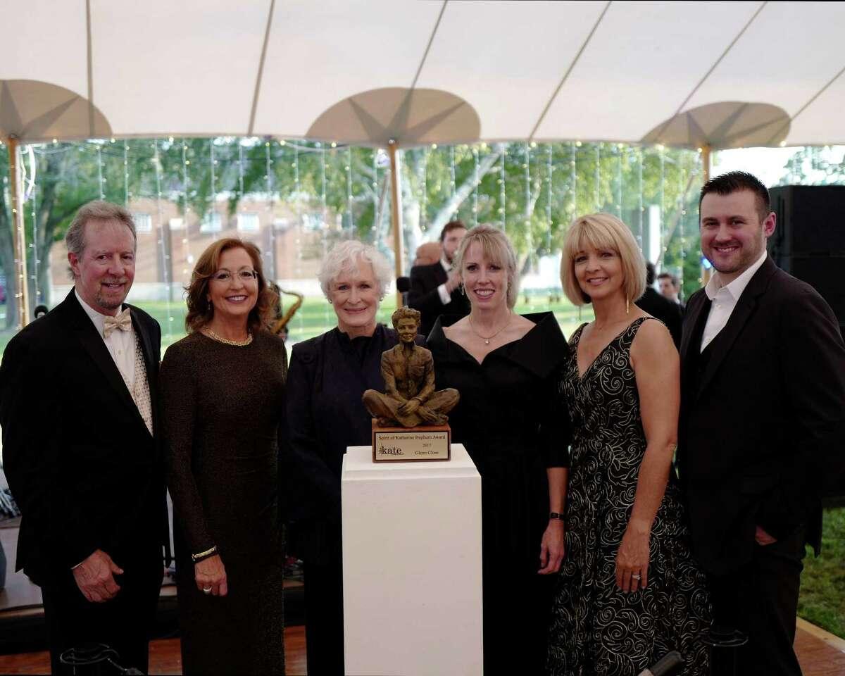 Glenn Close, left center, with, from left, Sonny and Christine Whelen, Ann Nyberg and Executive Director Brett Elliott.