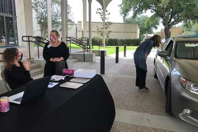 Because services are virtual, Congregation Beth Israel allowed members to pick up their prayer books at a socially distanced drive-through before theHighHolyDays.