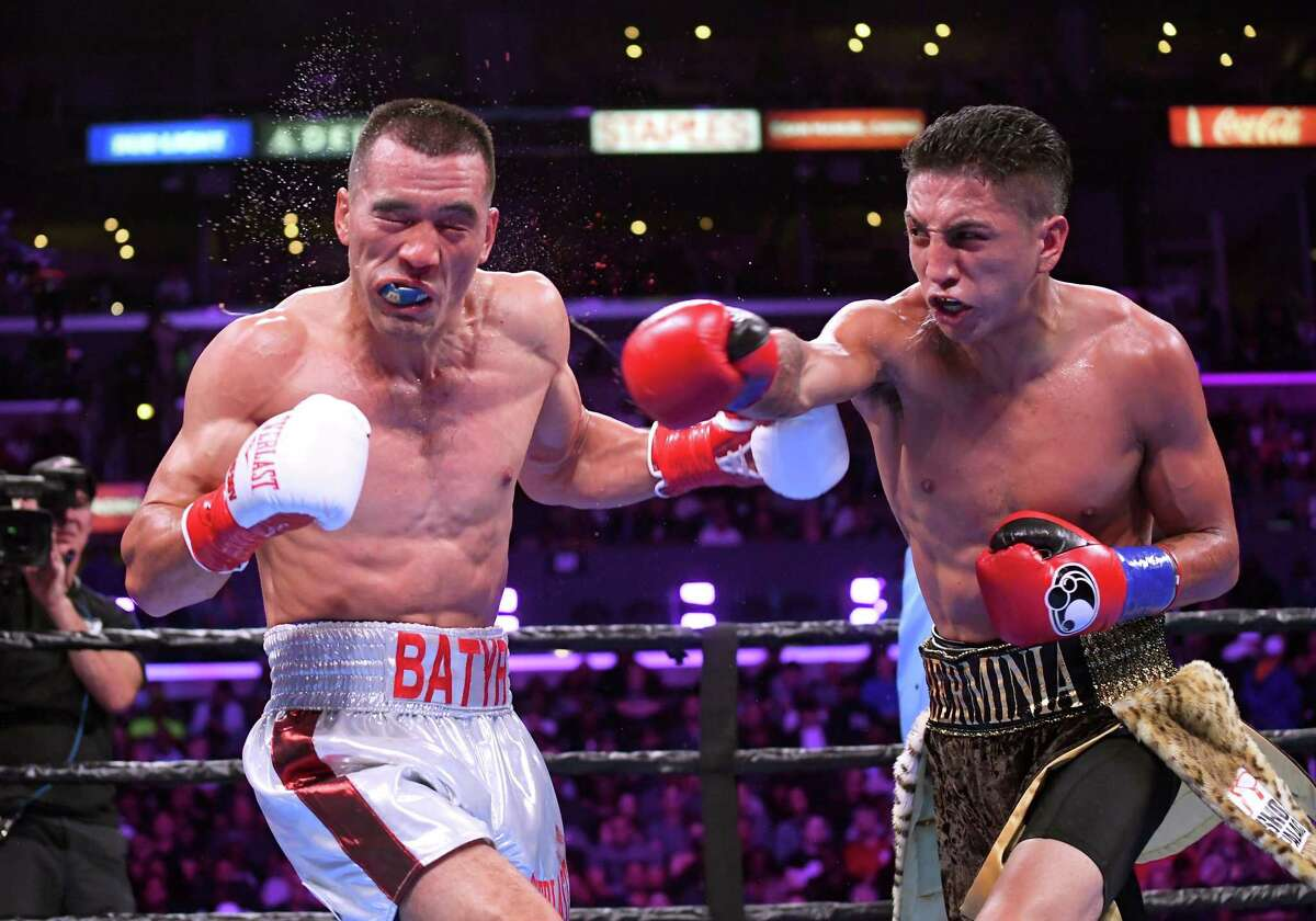 San Antonio native and professional boxer Mario Barrios will be at El Pollo King, a restaurant southwest of downtown, Thursday night to meet fans, sign autographs and auction off some special items.
