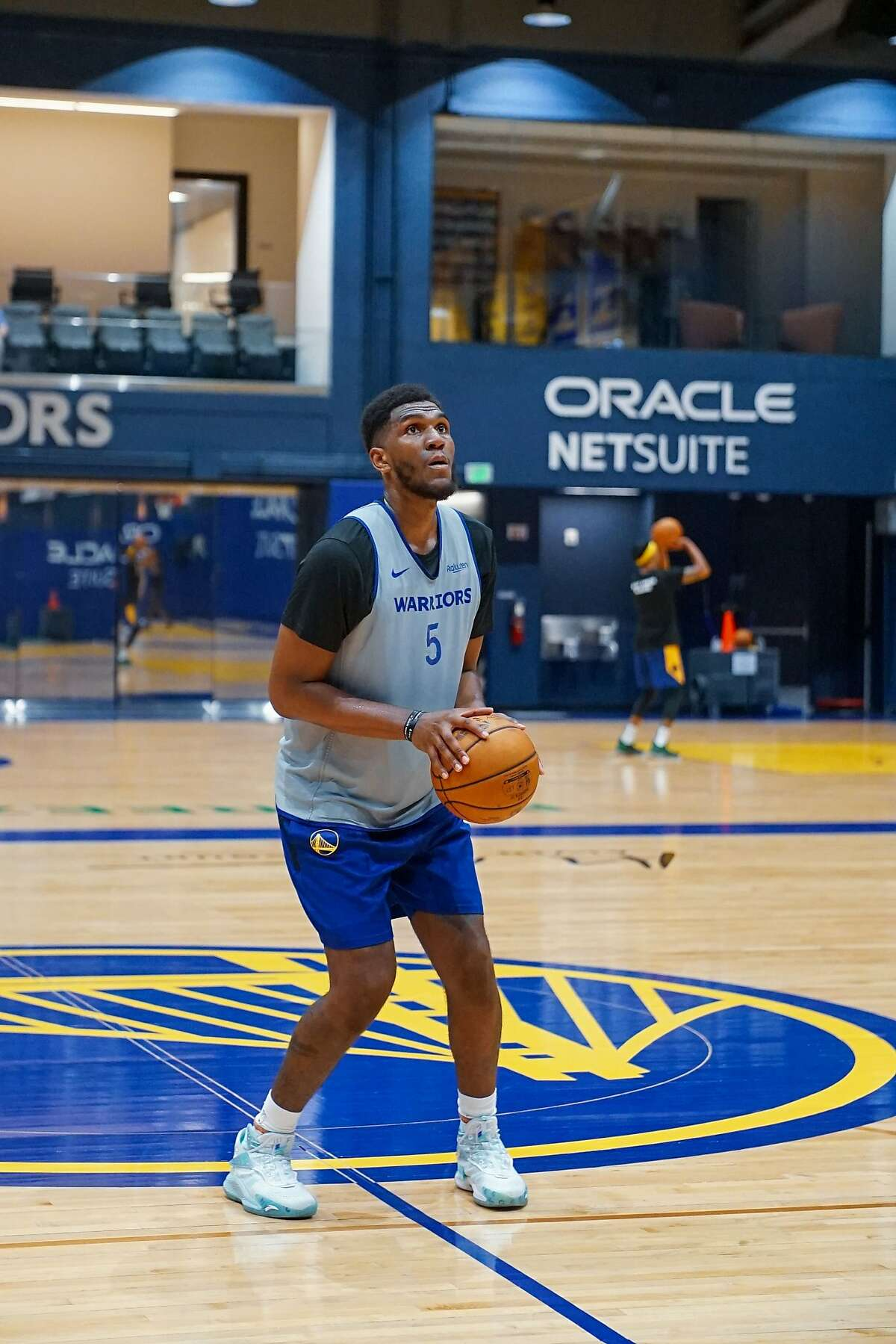Warriors center Kevon Looney has been his old self during the first two days of minicamp.