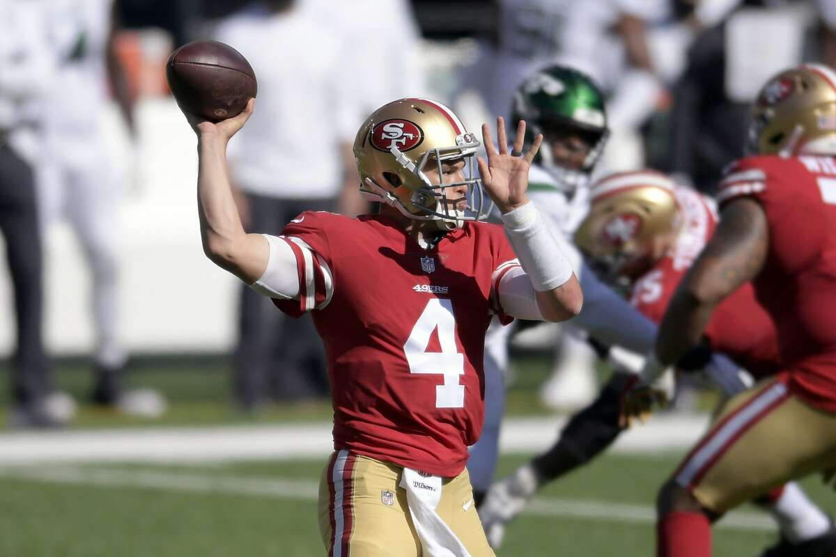 San Francisco 49ers quarterback Nick Mullens (4) throws a pass during the second half of an NFL football game against the New York Jets, Sunday, Sept. 20, 2020, in East Rutherford, N.J. With Jimmy Garoppolo likely sidelined by a sprained ankle, Mullens appears set to get his first start at quarterback for the Niners in nearly 21 months, against the New York Giants. (AP Photo/Bill Kostroun)