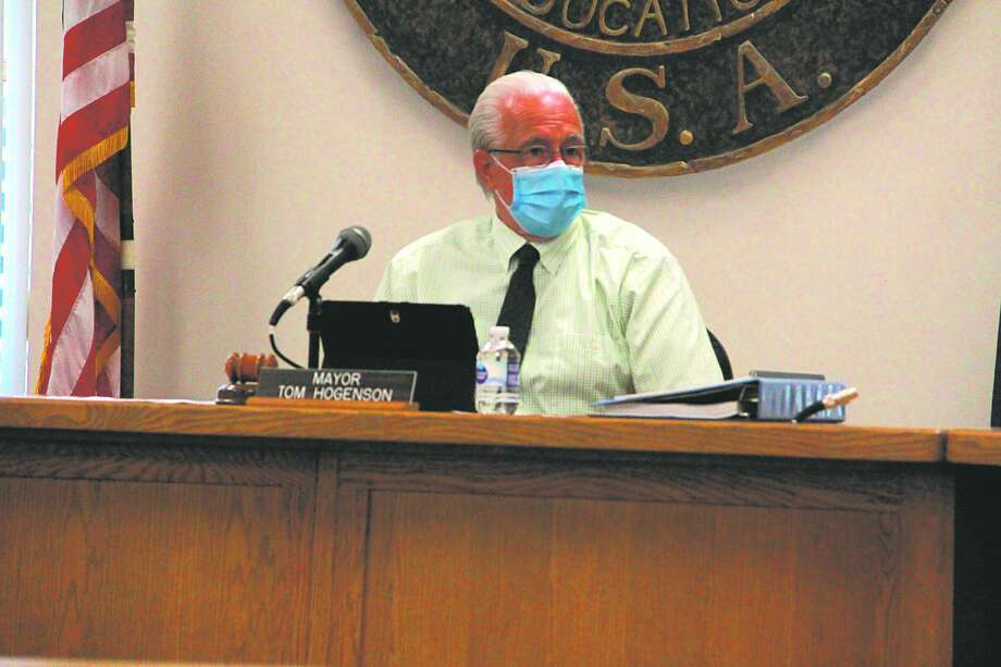 In this file photo, Big Rapids Mayor Tom Hogenson is pictured at a Big Rapids city commission meeting. During this week's meeting, Hogenson reminded residents of the importance of social distancing and wearing a mask. Photo: Pioneer File Photo