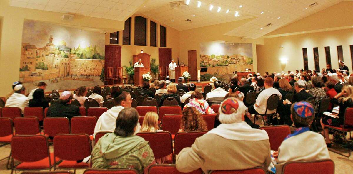 The congregation Beth Shalom in The Woodlands gathers for the Jewish holiday of Yom Kippur on Wednesday October 8, 2017. This year, services will be held online to allow members to socially distance during the COVID-19 pademic.