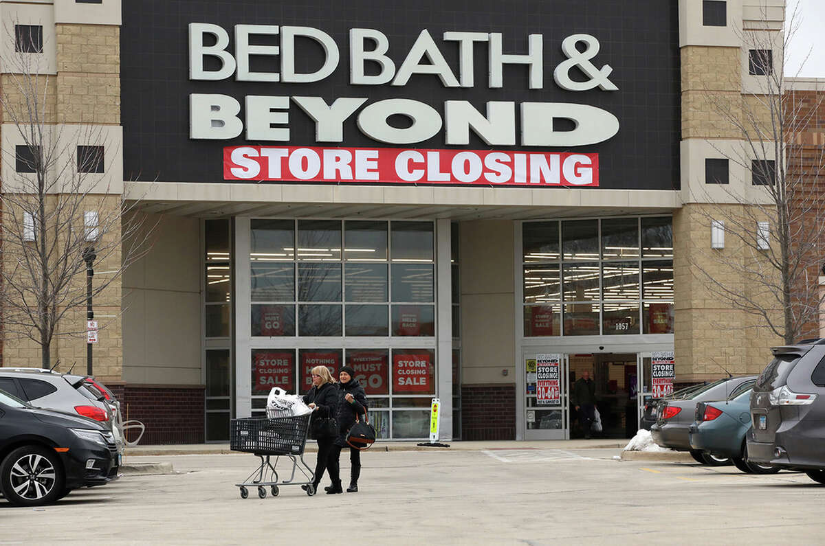 Shoppers head to their cars in front of Bed Bath & Beyond at Randhurst Mall on Wednesday, Jan. 29, 2020 in Mt. Prospect.