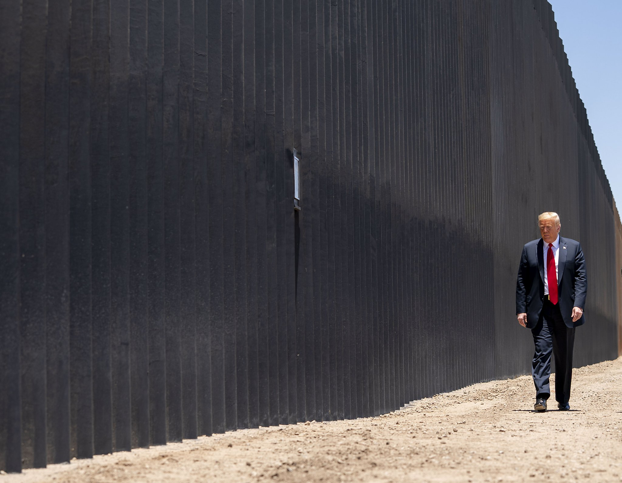 Trump border wall funding plan illegal and construction must stop, court  rules - SFChronicle.com