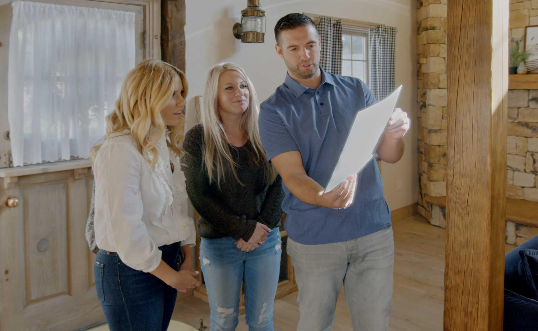 Netflix Unveils 'Dream Home Makeover' Trailer (TV Roundup)