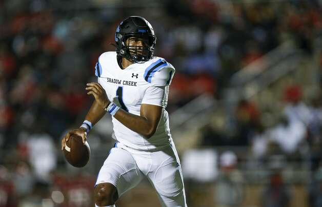 Shadow Creek quarterback Kyron Drones (1) scrambles out of the picket to throw the ball against North Shore during the first half of the game at Galena Park ISD Stadium on Friday, Sept. 25, 2020, in Houston. Photo: Godofredo A Vásquez/Staff Photographer / © 2020 Houston Chronicle