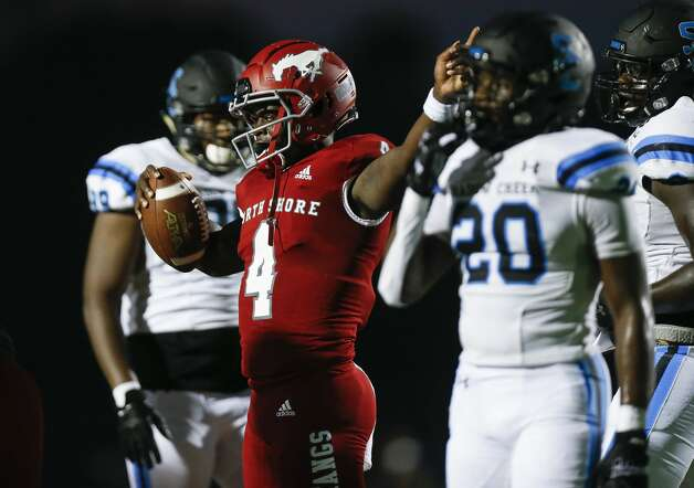 North Shore quarterback Dematrius Davis (4) signals after running for a first down against Shadow Creek during the first half of the game at Galena Park ISD Stadium on Friday, Sept. 25, 2020, in Houston. Photo: Godofredo A Vásquez/Staff Photographer / © 2020 Houston Chronicle