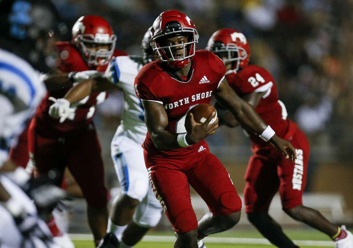North Shore quarterback Dematrius Davis (4) scrambles out of pressure against Shadow Creek during the second half of the game at Galena Park ISD Stadium on Friday, Sept. 25, 2020, in Houston.