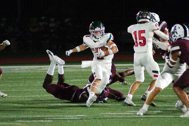 The Woodland's Jack Calhoun (3) finds running room against Pearland Friday at The Rig. Photo: Kirk Sides/Staff Photographer / © 2020 Houston Chronicle/Kirk Sides