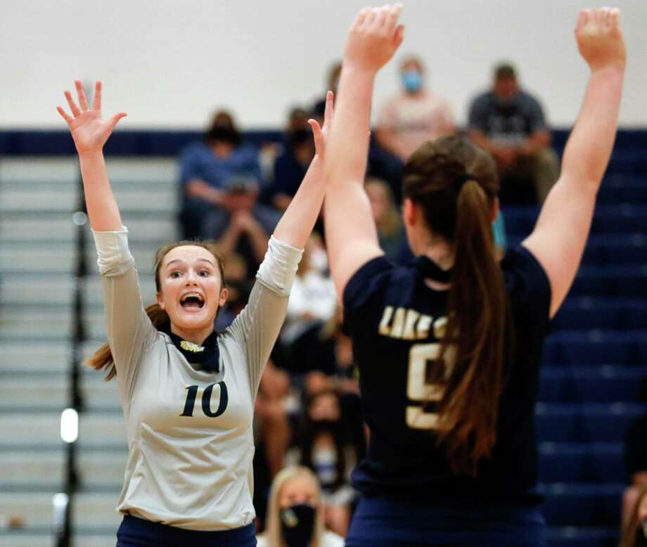 Lake Creek setter Lauren Greene (10) reacts after a point during the first set of a non-district high school volleyball match at Lake Creek High School, Tuesday, Sept. 15, 2020, in Montgomery. Photo: Jason Fochtman, Houston Chronicle / Staff Photographer / 2020 © Houston Chronicle