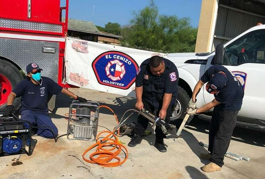 El Cenizo Volunteer Fire Department received a donation of necessary equipment that will assist crews in using the Jaws of Life in life-saving situations. Photo: Courtesy Photo /City Of El Cenizo