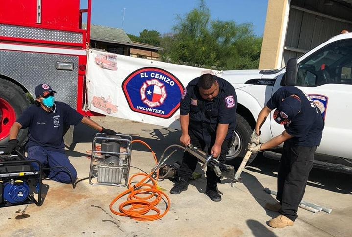 El Cenizo Volunteer Fire Department receives donation