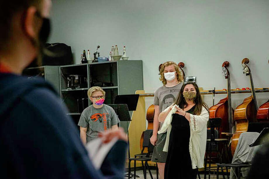 Edwardsville High School Theatre Director, right, talks with her actors to help them through scene practice. Photo: Tyler Pletsch | The Intelligencer