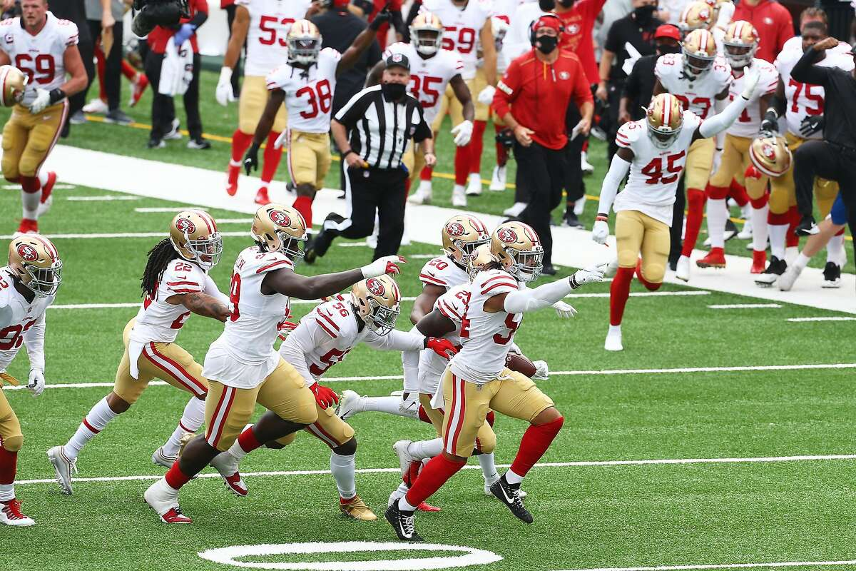 Fred Warner #54 of the San Francisco 49ers celebrates after intercepting a pass from Daniel Jones #8 of the New York Giants in the second quarter at MetLife Stadium on September 27, 2020 in East Rutherford, New Jersey.