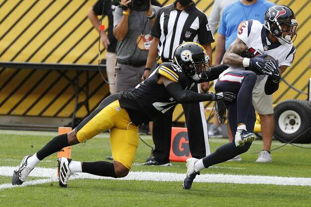 Houston Texans wide receiver Will Fuller (15) beats Pittsburgh Steelers cornerback Steven Nelson (22) for a 14-yard touchdown reception during the first half of an NFL football game at Heinz Field on Sunday, Sept. 27, 2020, in Pittsburgh. Photo: Brett Coomer/Staff Photographer / © 2020 Houston Chronicle