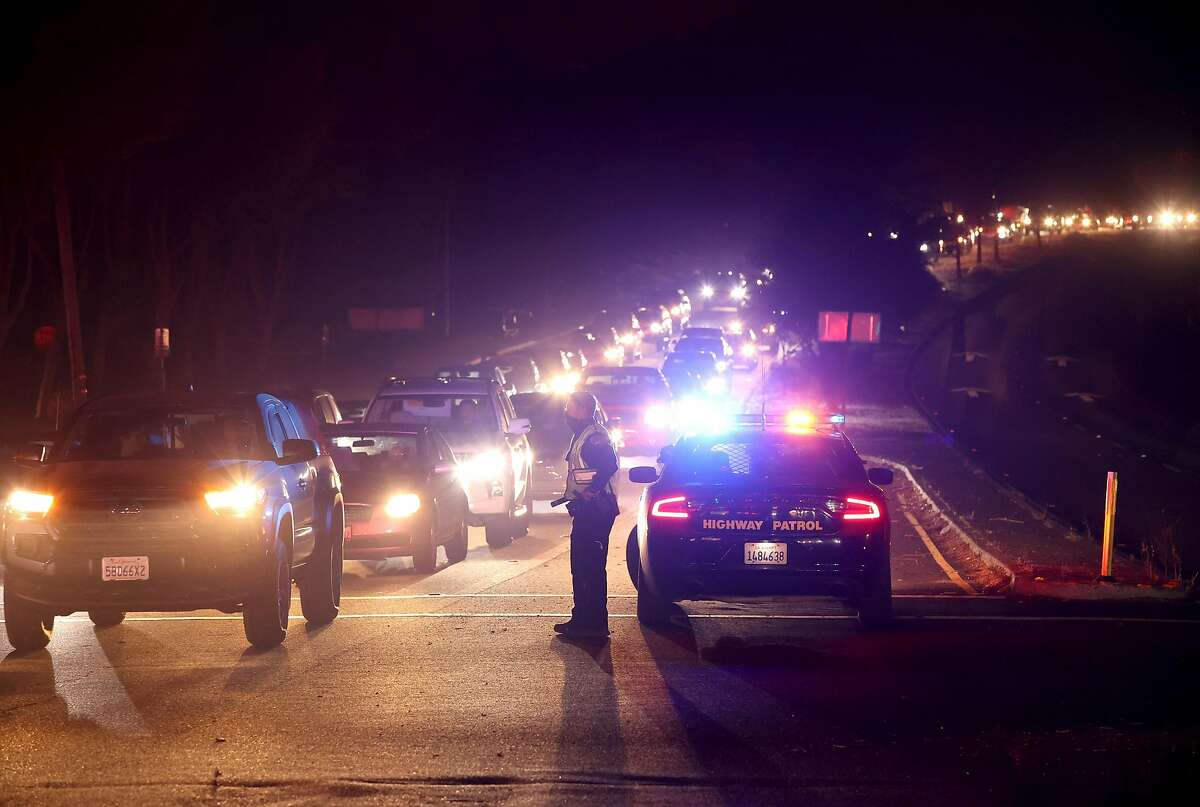 SANTA ROSA, CALIFORNIA - SEPTEMBER 27: Traffic backs up in Highway 12 as residents evacuate ahead of the Shady Fire on September 27, 2020 in Santa Rosa, California. Thousands of Santa Rosa residents are evacuating ahead of the Shady Fire that has worked its way from St. Helena to Santa Rosa. (Photo by Justin Sullivan/Getty Images)