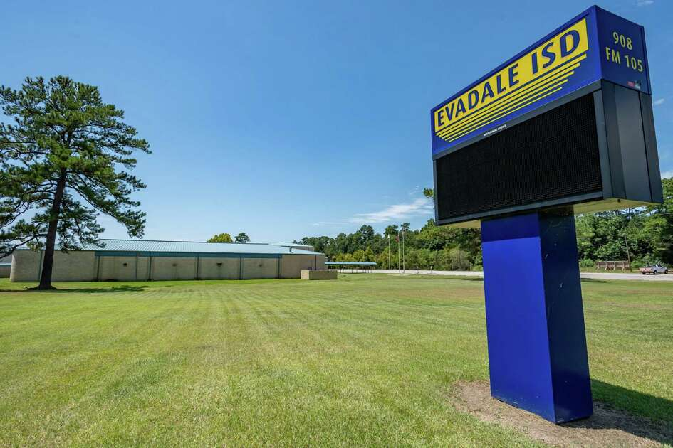 The Evadale ISD sign stands outside the high school campus. The Evadale Independent School District closed all campuses Tuesday due to a student testing postive for the coronavirus. Photo made on August 18, 2020. Fran Ruchalski/The Enterprise