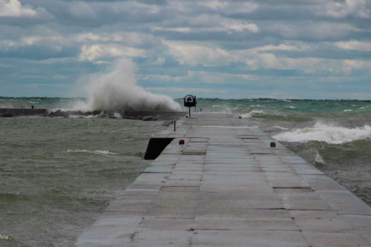 People should be careful when walking on pier structures, especially during rough weather. (File photo)