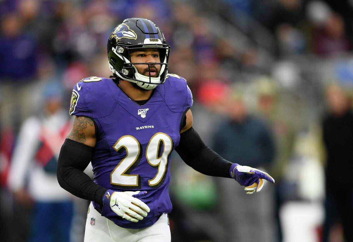 Earl Thomas wore out his welcome in Baltimore but the Texans could have an interest in the safety.
