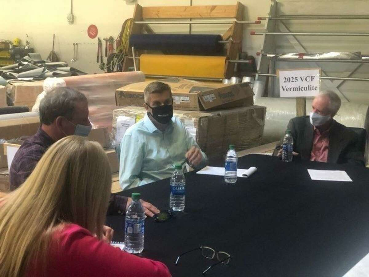 On Friday, Sept. 25, Senator Maroney and Lt. Governor Susan Bysiewicz met with Brian Bannon, owner and founder of ThermaXX Jackets; Jamie Scott, executive director of Manufacture CT; David Tuttle, director of the Platt Manufacturing Program; and State Rep. Dorinda Borer to discuss ways to improve the school-to-work pipeline, the manufacturing job opportunities currently available, the ways companies have stepped up to help during the coronavirus pandemic, and workforce development.
