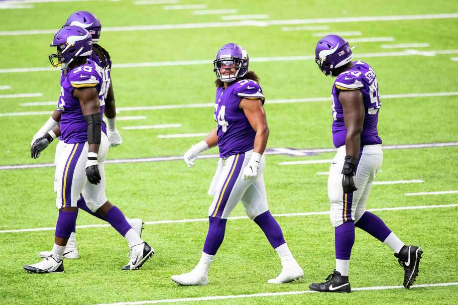 Minnesota Vikings linebacker Eric Kendricks (54) looks on in the third quarter during an NFL football game against the Tennessee Titans, Sunday, Sept. 27, 2020, in Minneapolis. The Titans defeated the Vikings 31-30. (AP Photo/David Berding) Photo: David Berding, Associated Press / Copyright 2020 The Associated Press. All rights reserved.