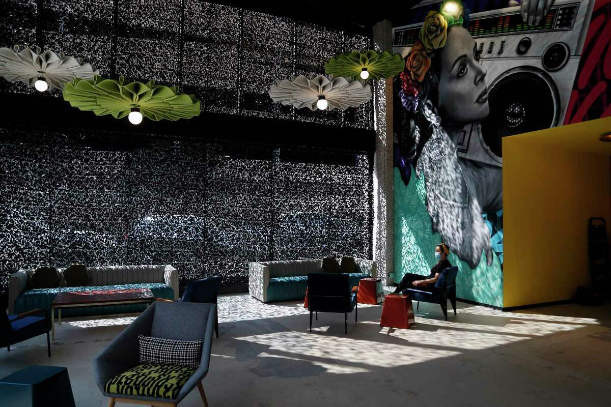 Hopscotch's lobby includes a bar where folks can hang out either with or without tickets.