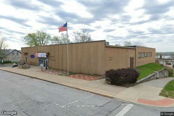 The Spaulding Club at 405 E. 4th St., Alton, will close Dec. 31. Home to the Alton Knights of Columbus Council No. 460 for some 70 years, the building is being offered for $150,000. It includes a banquet room, a club room and a kitchen.