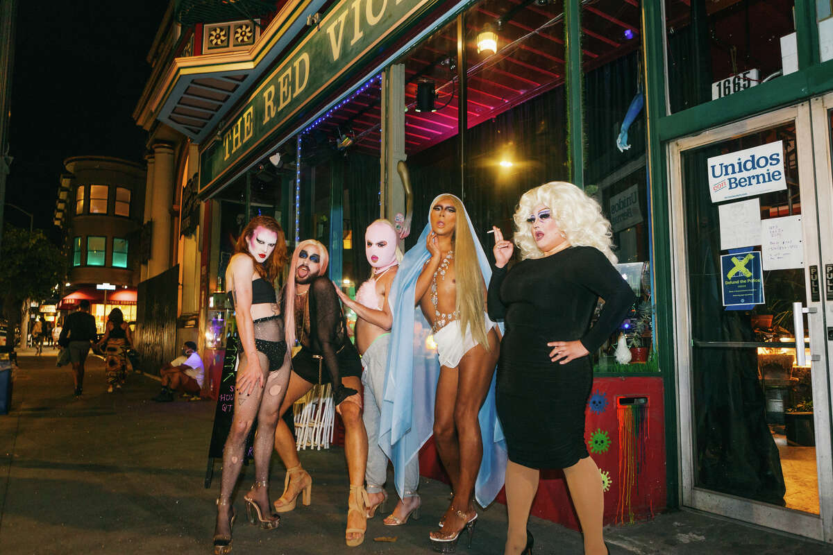 (Pictured from left to right) performers St. Nastine, Bussy Dad, Cristian Woman, Gia (FKA Supernova Girl), and Terra Bull strike a pose before the show at The Red Victorian on Saturday, Sept. 26, 2020.